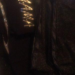 Women's plus size clothing size 18 w. Gold/ black